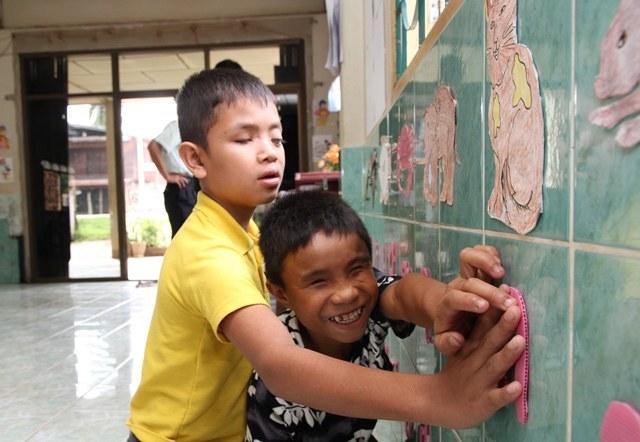 Skolebarn fra Laos web