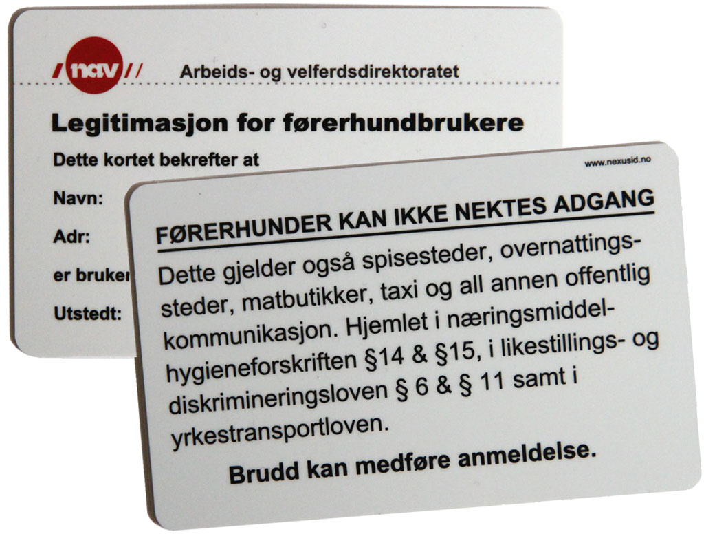Bilde av for- og baksiden av legitimasjonskort som førerhundbrukere med hunder fra norske førerhundskoler får sammen med hunden sin.