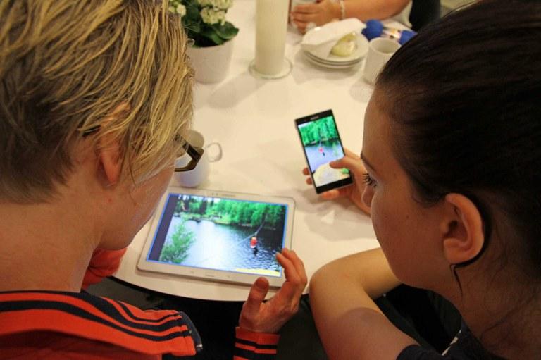 Om rettigheter og muligheter når synet svikter - opplæring i smartteknologi.